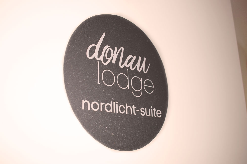 donau_lodge_suite_3_tuer_web.jpg